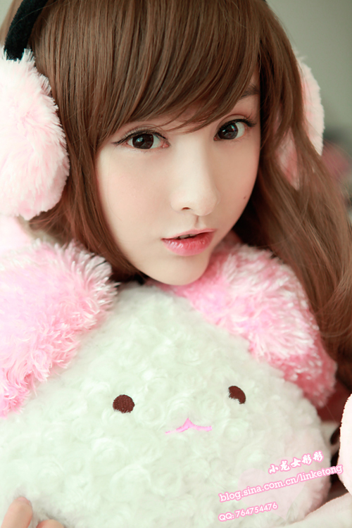 Lin Ketong  Ear Muffs  Blobbies Blog-8051
